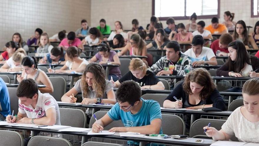Alumnos durante una PAU