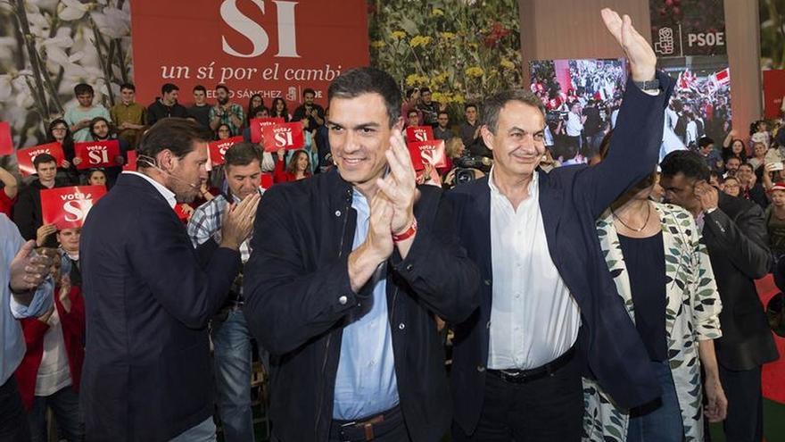 """Sánchez elogia a González y Zapatero: """"Son los mejores y son del PSOE"""""""