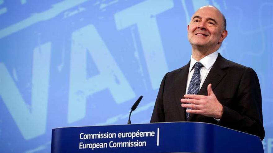 Moscovici avisa de que en España no hay margen para relajarse con el déficit