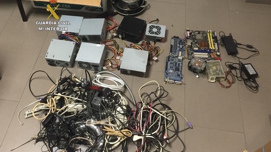 Cinco detenidos por robo de metales y piezas de ordenador en Ambrosero e Islares