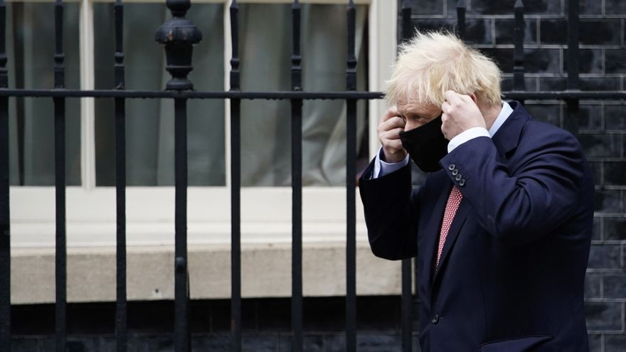 Johnson afronta oposición en el norte de Inglaterra por nuevas restricciones