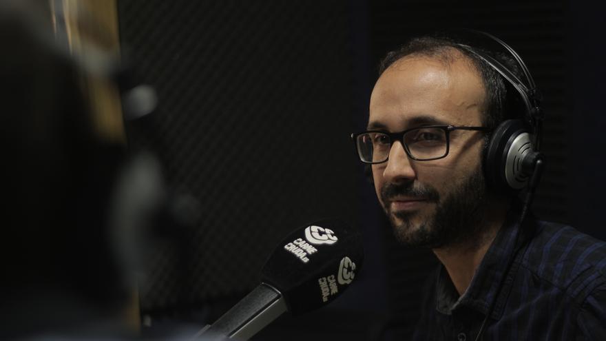 """Héctor G. Barnés autor de """"La ley de las aulas"""" y periodista en Carne Cruda - Álvaro Vega"""