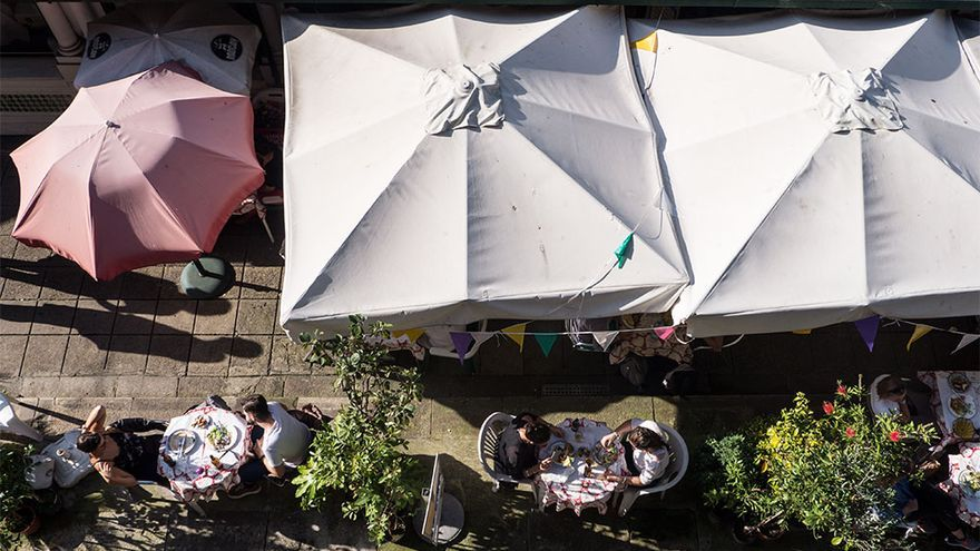 Restaurante en el mercado de Bolhao.