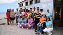En su visita han recorrido las instalaciones y han podido compartir con los usuarios y el personal la labor que se realiza en este centro.