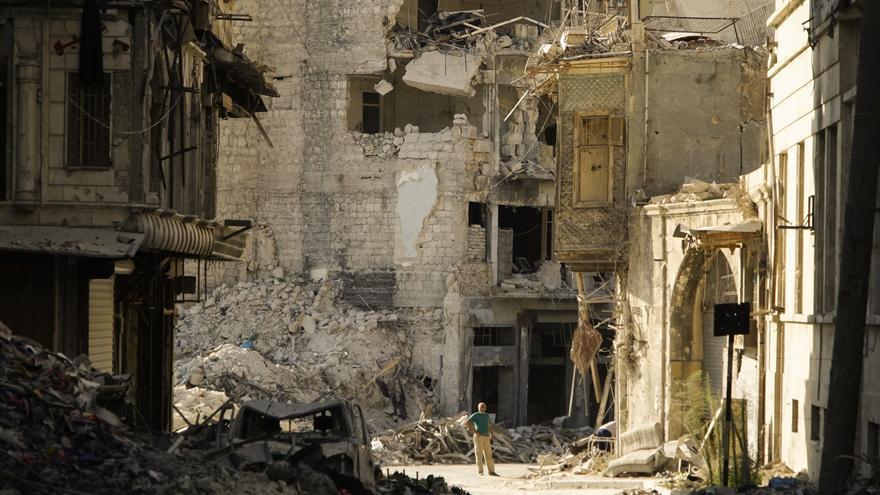 """""""En Siria se han cometido los peores crímenes del siglo XXI"""", ha dicho Stephen Rapp// Max Black"""