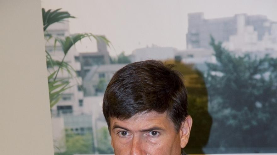 """Pimentel afirma que el Gobierno de Rajoy sería """"débil"""" si """"temblara"""" por las críticas de Aznar"""