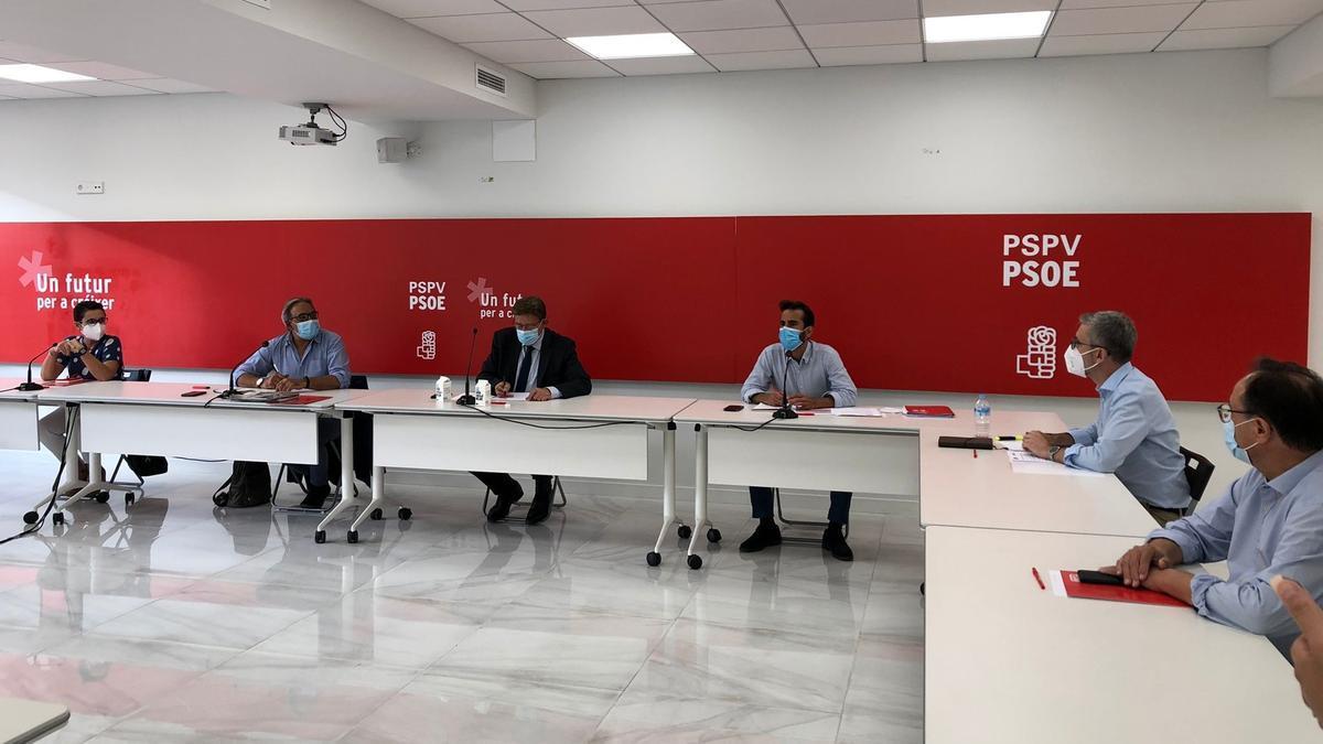 Ximo Puig preside la Comisión Ejecutiva Nacional del PSPV.