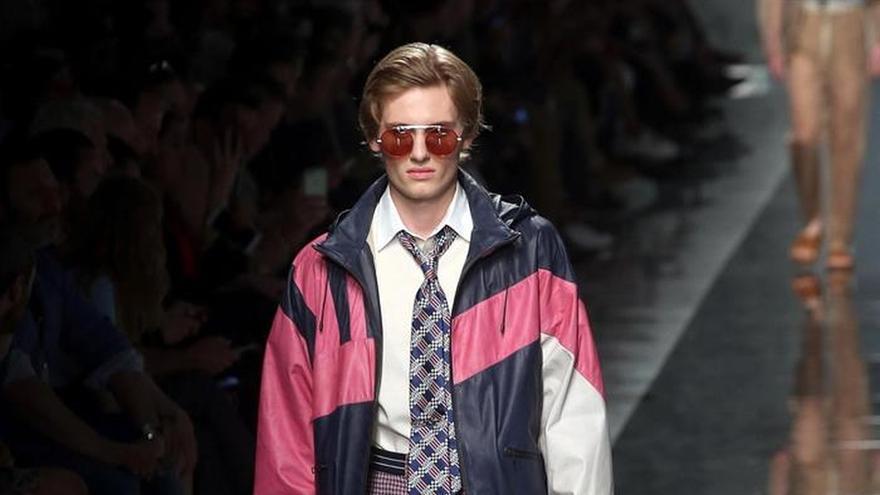Las transparencias de Fendi y la pureza de Giorgio Armani clausuran Milán