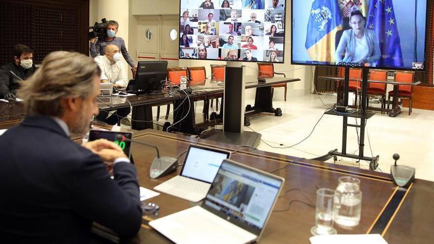 La consejera de Derechos Sociales, Igualdad, Diversidad y Juventud del Gobierno de Canarias, Noemí Santana, durante su comparecencia en la Diputación Permanente del Parlamento de Canarias