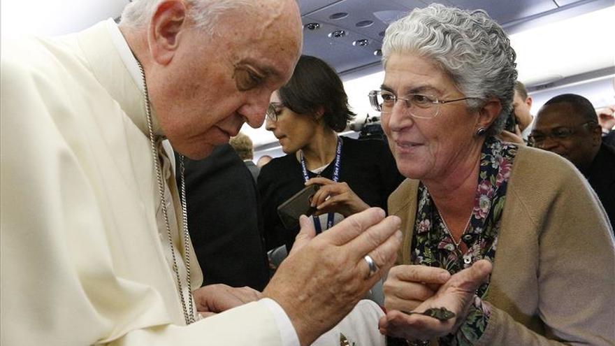 """El papa Francisco dice antes de llegar a Kenia: """"Lo único que me preocupa son los mosquitos"""""""