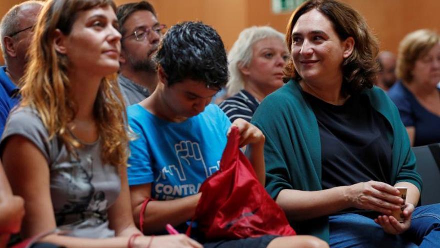 """Comunes avisan a Valls de que Barcelona no es refugio para carreras """"fracasadas"""""""