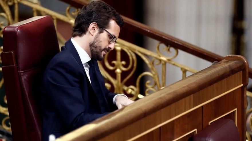 El líder del PP, Pablo Casado, durante el pleno celebrado este jueves en el Congreso para aprobar una nueva prórroga del estado de alarma.
