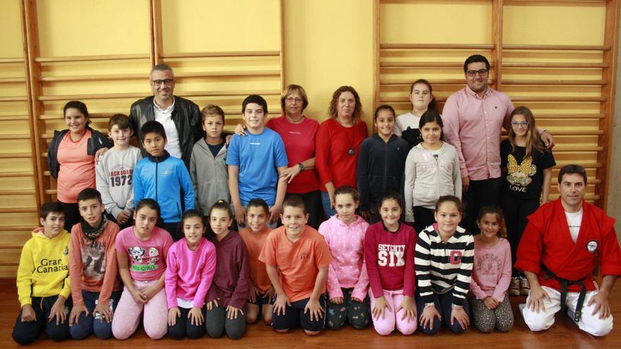 En la imagen, los escolares que participan en el proyecto.
