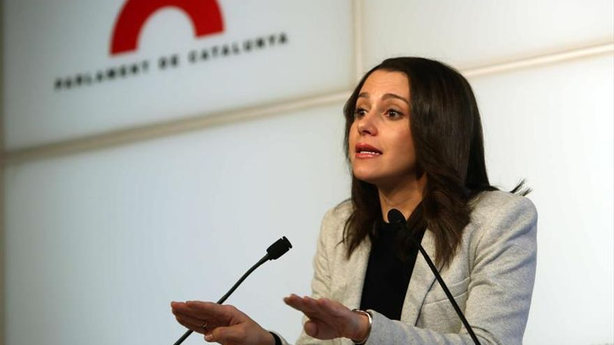 Arrimadas, a Puigdemont: Que se olvide de ser presidente tras sentencia Palau
