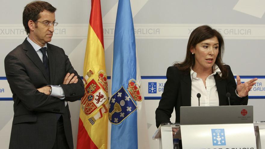 Feijóo y la conselleira de Traballo, Beatriz Mato, en una rueda de prensa