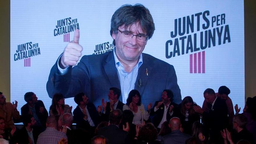"""Puigdemont pide el voto de demócratas contra """"abusos"""" de Estados autoritarios"""