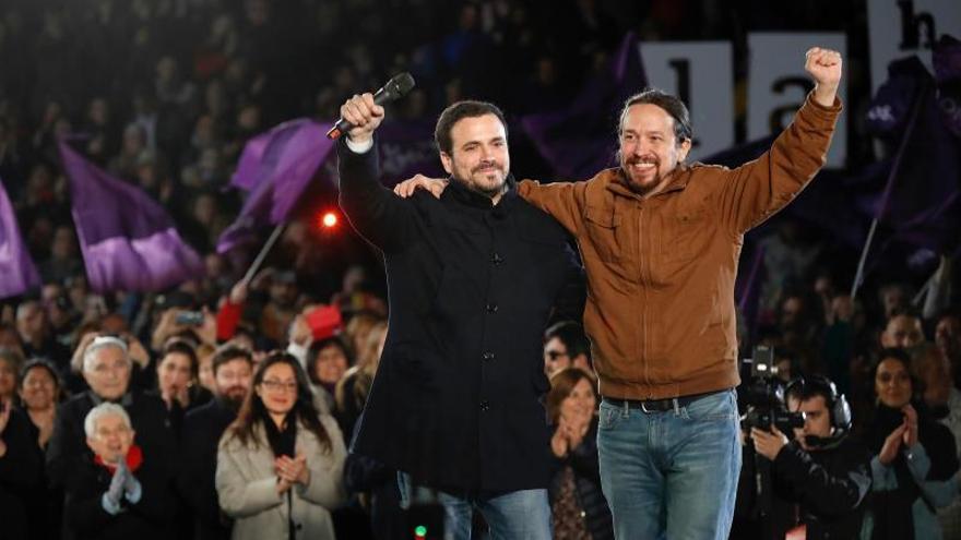Pablo Iglesias y Alberto Garzón, en el cierre de la campaña de Unidas Podemos en Madrid.