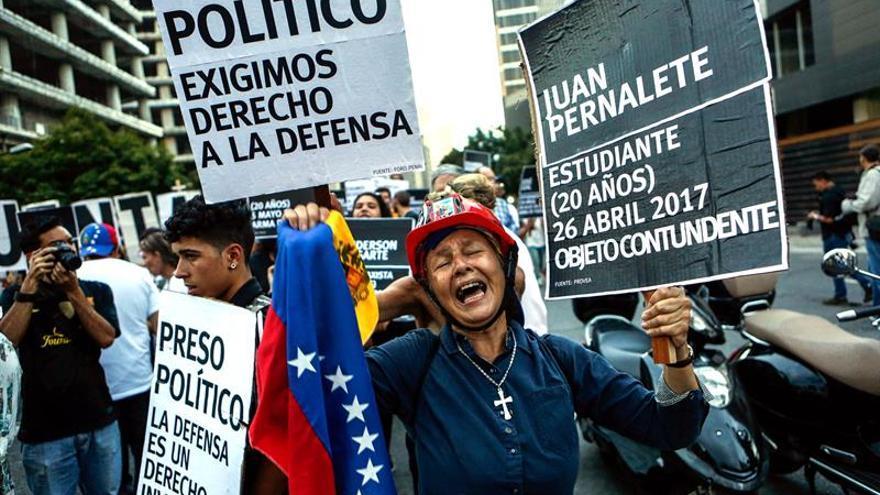 La UE acuerda sancionar a Venezuela e imponer un embargo de armas