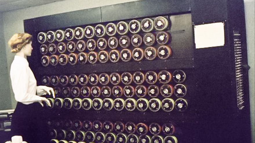 Sarah Hartwell. Mockup of a bombe machine at Bletchley Park. Photographed & uploaded by self (Wikipedia)