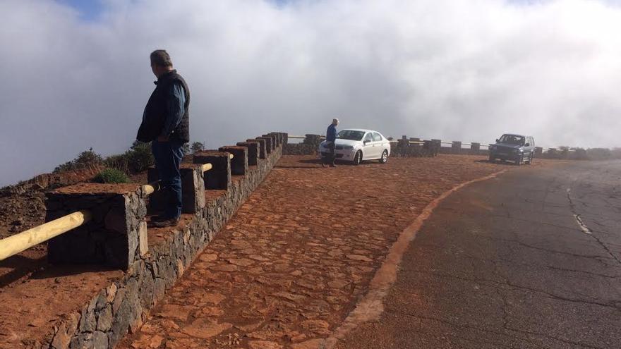 El nuevo mirador se localiza a escasos metros del acceso al Monumento al Infinito, concretamente en la  zona alta de Lomo Morisco, en el municipio de San Andrés y Sauces.