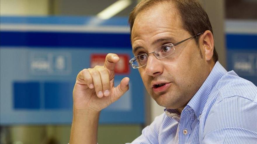 """Luena asegura que Rajoy es """"un peligro"""" para una recuperación justa en España"""