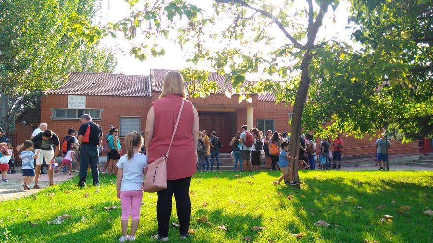 La hija de Cristina afronta el primer día de colegio sin tutora. / S.P