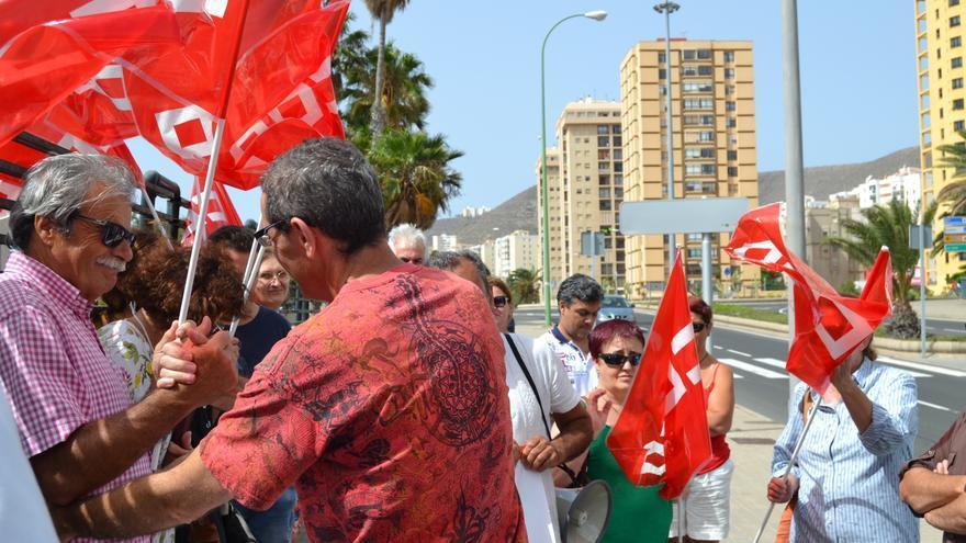 Trabajadores del ITC se concentran frente a la sede del Tribunal Laboral para exigir viabilidad del centro