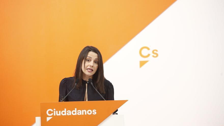 Arrimadas rechaza las críticas de Punset por la estrategia de Cs en Cataluña y dice que hace dos años opinaba otra cosa