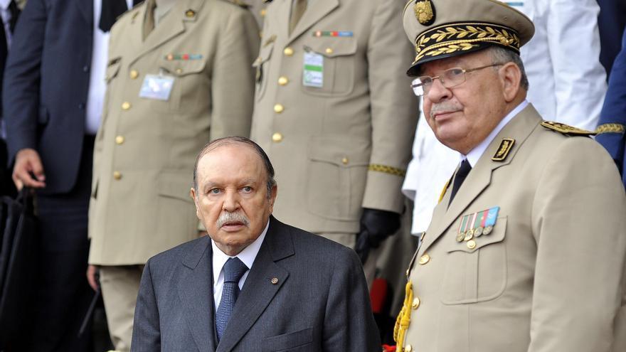 Abren los colegios electorales en Argelia entre férreas medidas de seguridad