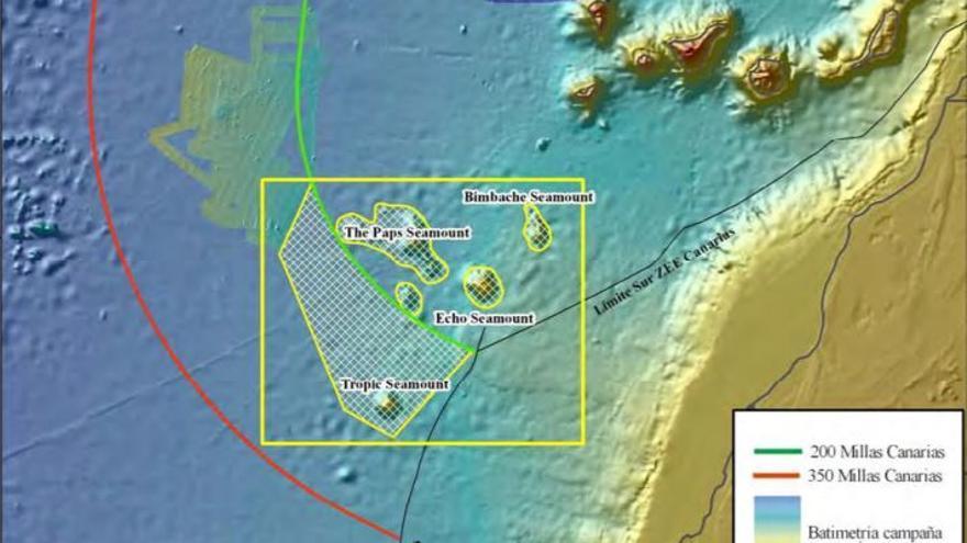 Zona objetivo de la campaña DRAGO 0511; marcados los distintos montes submarinos: Bimbache, The Paps, Echo, Tropic y otras elevaciones menores. Imagen del IEO.