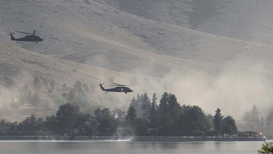 Los talibanes dicen que Mansur iba al exterior para captar fondos y por seguridad