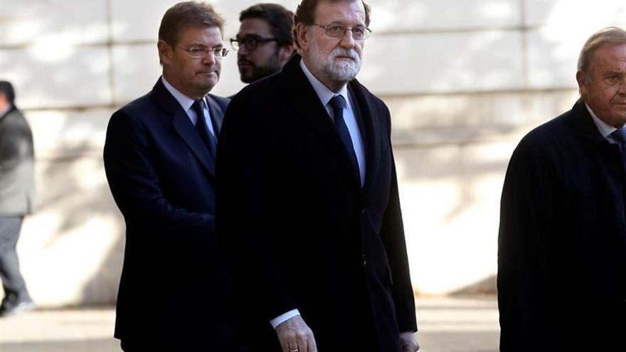 """Rajoy acude a la Fiscalía a dar """"el último adiós"""" a Maza, un """"excelente jurista"""""""