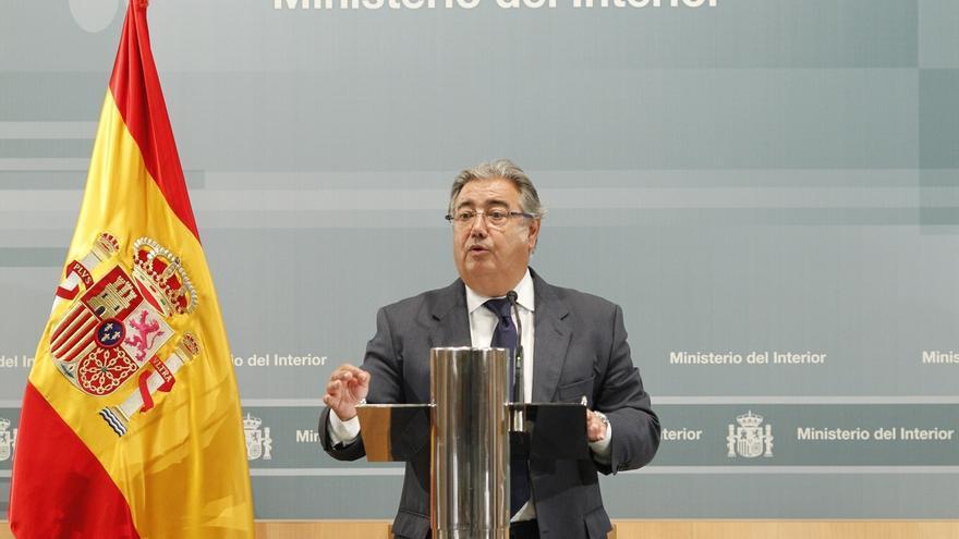 Interior desoye las peticiones de veto e invita al Pacto Antiterrorista a Podemos y al resto de observadores