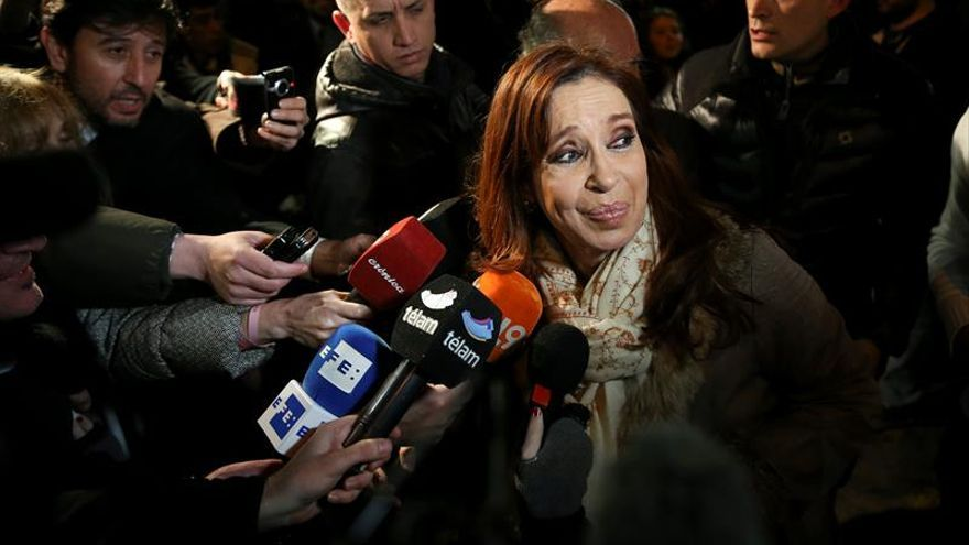 Fiscal reitera que se investigue la denuncia de Nisman contra Cristina Fernández