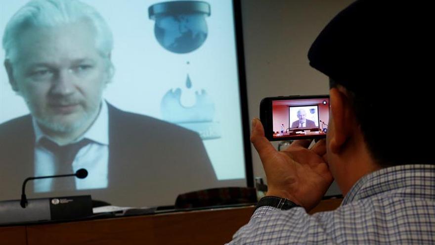 EE.UU. contempla presentar cargos contra Julian Assange, según medios
