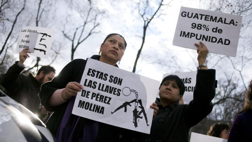 Protesta de la Asociación de Mujeres de Guatemala frente al Ayuntamiento de Madrid / GABRIEL PECOT