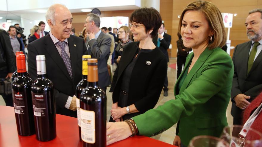 María Dolores Cospedal en la Cumbre del Vino   JCCM