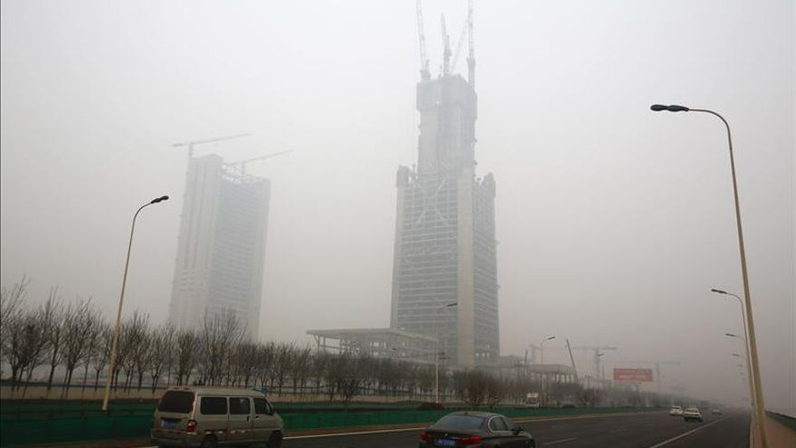 El principal puerto de China, Tianjin, en alerta roja por contaminación