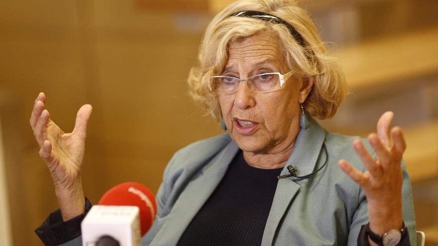 Manuela Carmena baraja que cooperativas de madres hagan la limpieza de los colegios