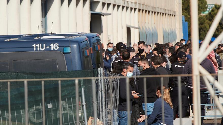 Contagiados 15 guardias civiles en Cataluña en plena polémica por las vacunas