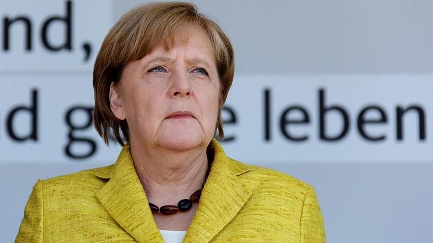 Merkel sigue con clara ventaja en los sondeos a 10 semanas de las elecciones