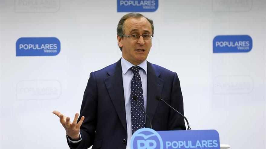 Alonso (PP): Podemos mete en las instituciones el discurso que justifica a ETA