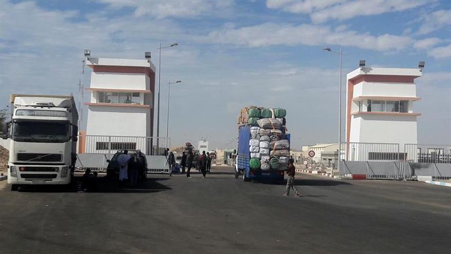 Marruecos halla 653 kilos de hachís en un camión de empresa española en el Sáhara
