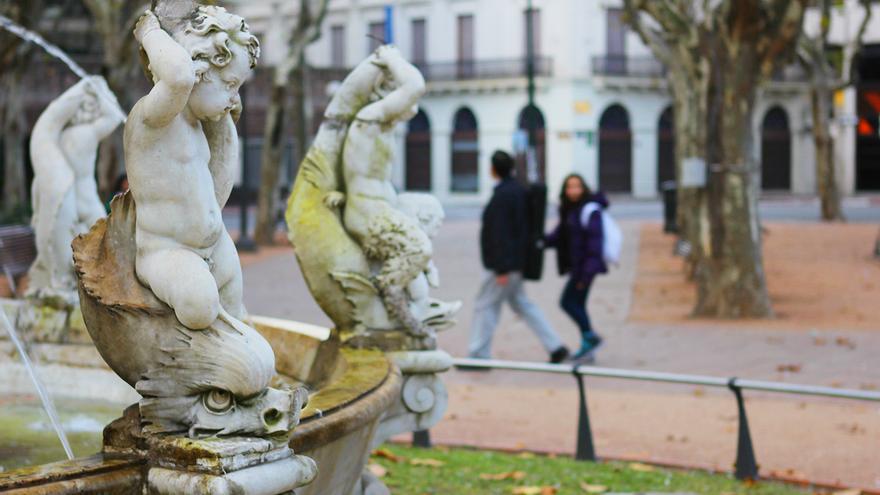 Detalle de la fuente de la Plaza de la Constitución.
