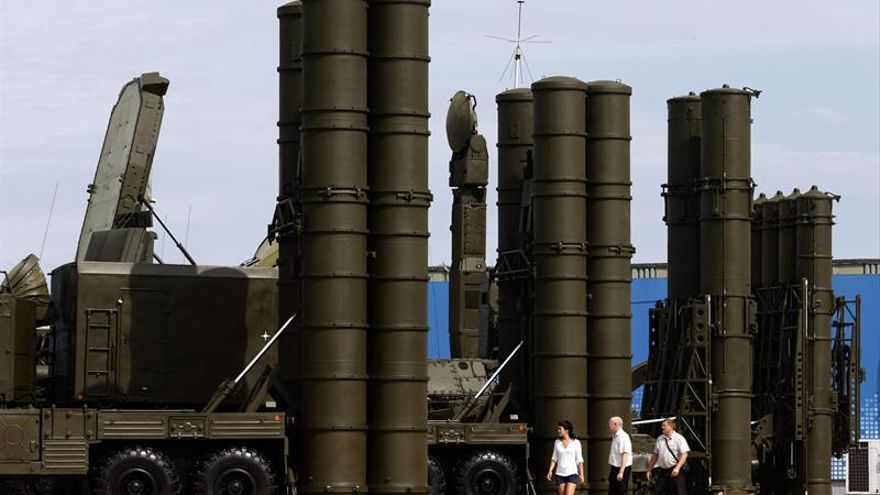 Turquía dice haber pagado ya para adquirir misiles antibalísticos S-400 rusos
