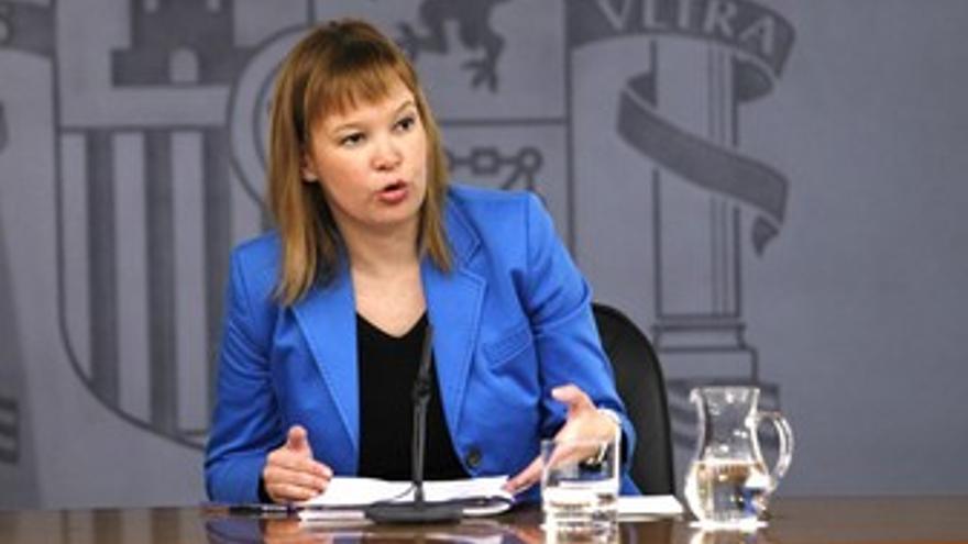 Ministra de Sanidad, Leyre Pajín, en el Consejo de ministros