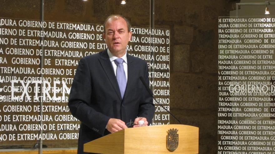 """Monago invita a Jorge Trías a acudir al """"juzgado de guardia"""" si dispone de """"alguna información"""" sobre el 'caso Bárcenas'"""