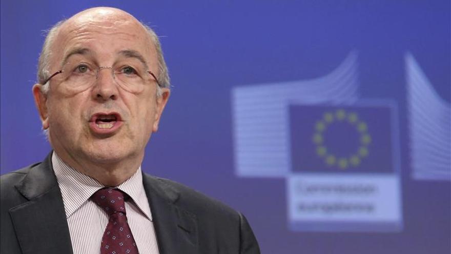Almunia dice que da el mismo trato a España que a Francia en las ayudas navales