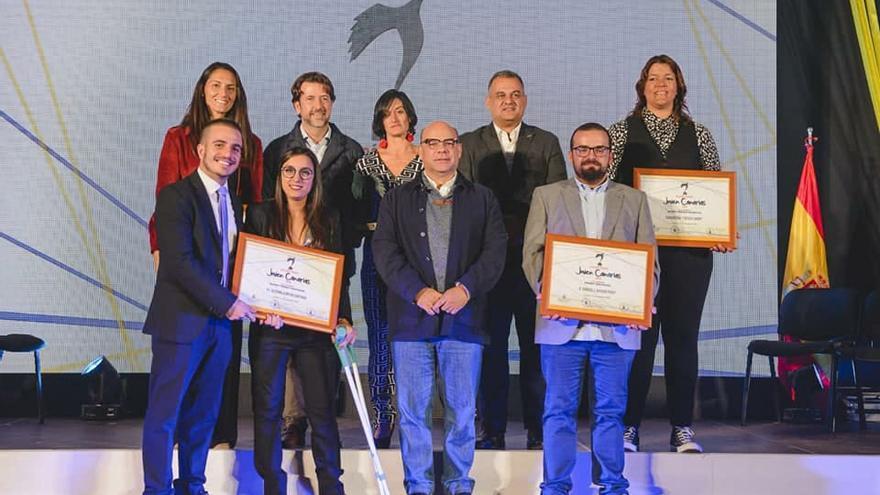 Foto de familia con cargos públicos de CC y los premiados, sin presencia del consejero Narvay Quintero, que sí entregó una distinción
