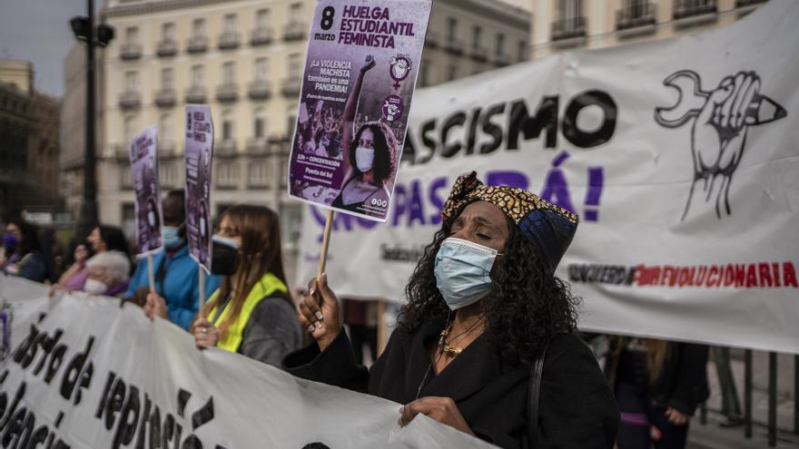 Manifestación feminista del movimiento estudiantil en la Puerta del Sol de Madrid